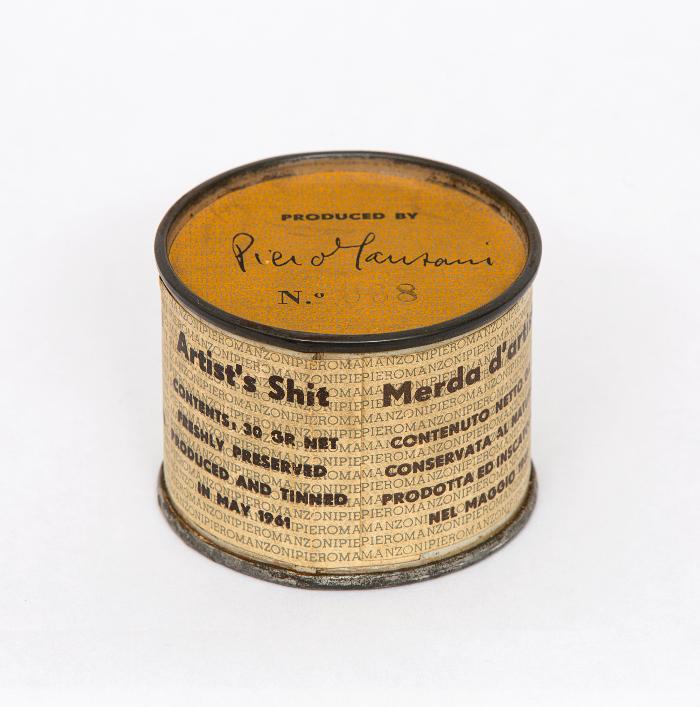 Piero Manzoni per illustrare la guida della mostra Nascita di Una Nazione dal Dopoguerra al Sessantotto Palazzo Strozzi FIrenze arte cultura mostre esibizione cultura